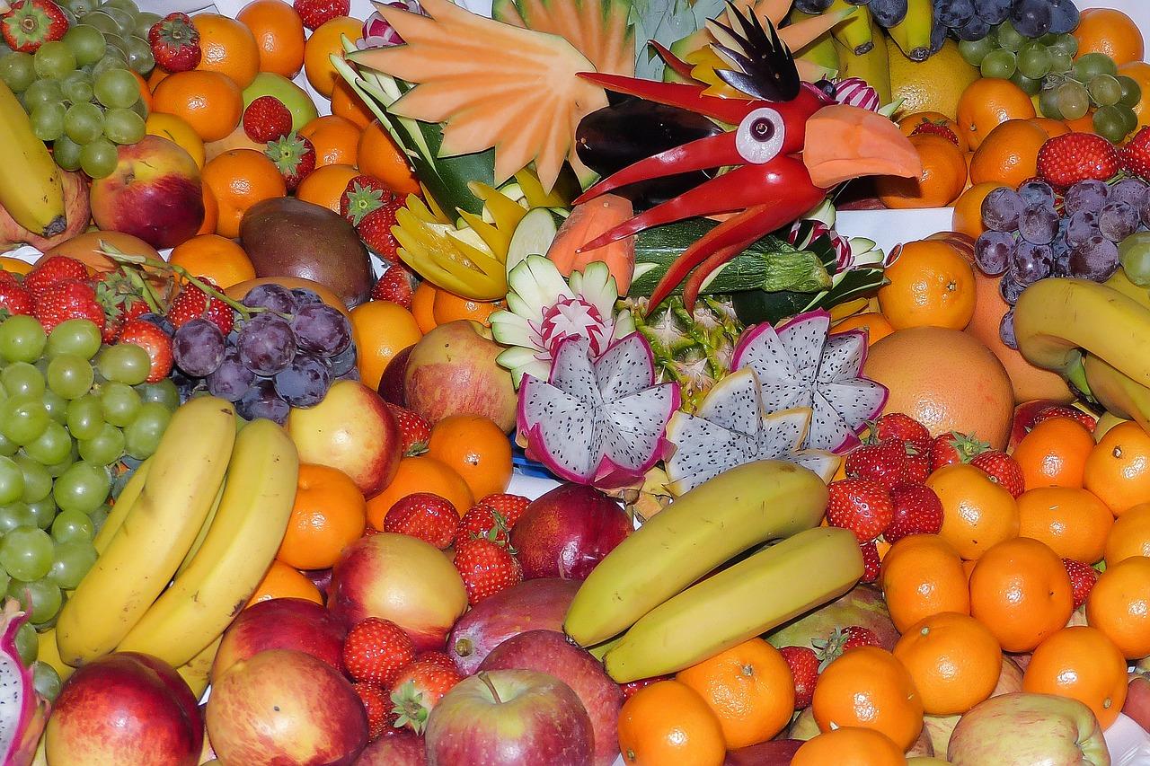 Grüner Smoothie mit Früchten